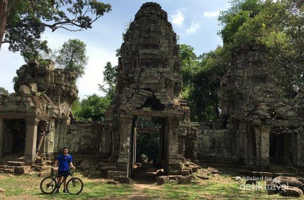 Beramal Dengan Wisata Sepeda Di Kawasan Angkor Wat, Kamboja
