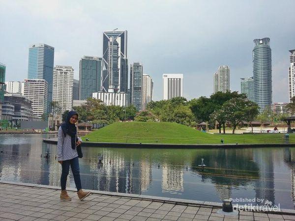 Yang Wajib Saat Ke Kuala Lumpur, Mendatangi Petronas