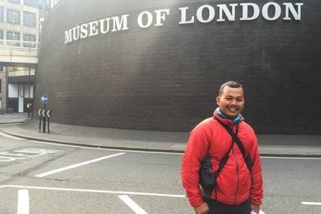Kisah D'Traveler Agus, Bertualang Ke London Demi Indonesian Weekend