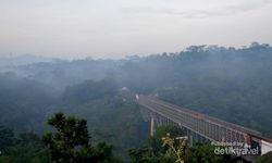 Jembatan Cirahong, Destinasi Favorit Ngabuburit di Ciamis