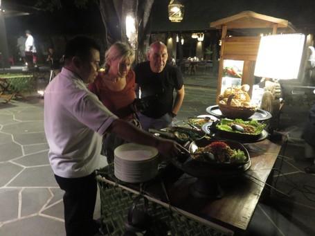 Padang Night, Ajang Pengenalan Masakan Indonesia ke Turis di Lombok