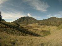 Libur Lebaran Sambil Nikmati Keindahan Oro-oro Ombo di Semeru