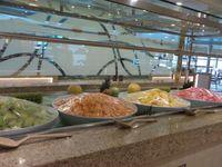 Begini Sibuknya Para Koki Menyiapkan Makan di Kapal Pesiar