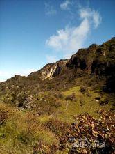 Pemandangan dari Puncak Gunung Lawu, Keren Banget!