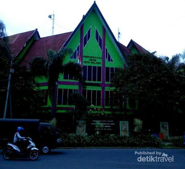 Wisata Edukasi Sambil Liburan Sekolah Di Perpustakaan Malang