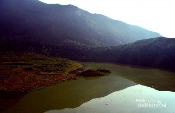 Danau Galunggung Yang Masih Jarang Disinggahi