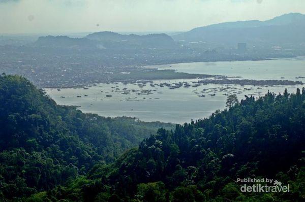 Muncak, Tempat Terbaik Menikmati Pemandangan Teluk Lampung
