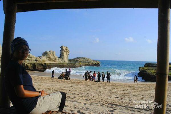 Uniknya Pantai Klayar, Ada Batu Sphinx Dan Seruling Samudera