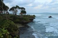 Libur Akhir Pekan, Yuk ke Pantai Batu Hiu di Pangandaran