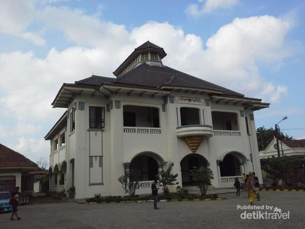 Piknik D'Traveler Ke Museum Dan Gedung Juang 45 Bekasi, Asyik!