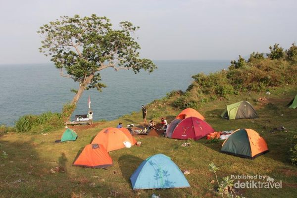 Kemping Sekaligus Upacara 17-an Di Pantai Kesirat, Gunungkidul