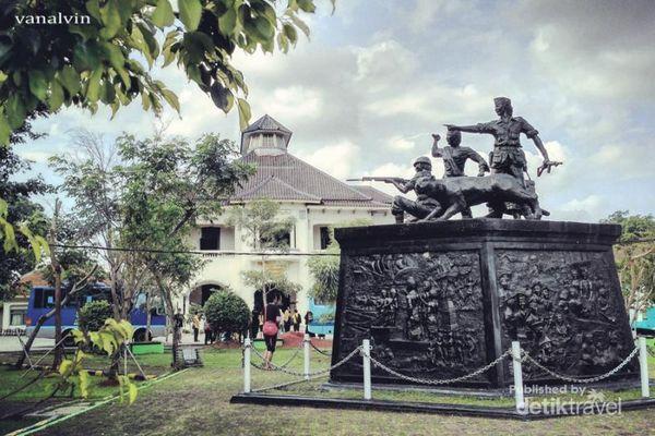 Miris! Gedung Juang 45 Dan Museum Bekasi Tidak Terawat