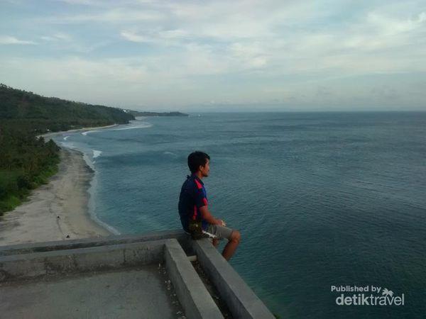 Berburu Sunset Di Villa Hantu, Lombok