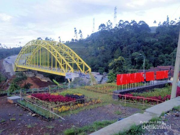 Jalur Kamojang Yang Ikonik Di Jawa Barat