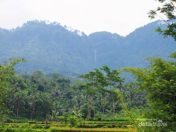 Siapa Sangka, Ada Air Terjun Seindah Ini Di Purworejo