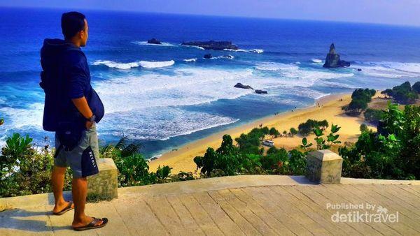 Buyutan, Satu Lagi Pantai Menawan Dari Pacitan