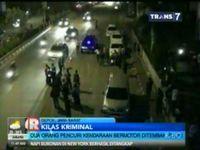 Polisi Tembak Pencuri Mobil di Depan Depok Town Square