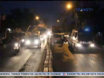 Pecah Ban Mni Bus Tabrak Satu Tronton , 1 Tewas 3 Luka-luka
