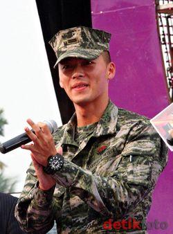 Hyun-Bin-6.jpg