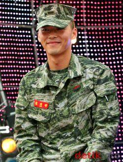 Hyun-Bin-8.jpg