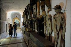 http://images.detik.com/thumbnail/2012/08/09/1383/163246_museumcatacombe.jpg