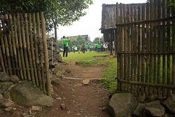 Dihibur Jaipong & Debus di Kampung Budaya Sindangbarang Bogor