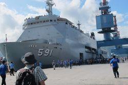 Sensasi Naik Kapal Perang untuk Wisata ke Mandeh