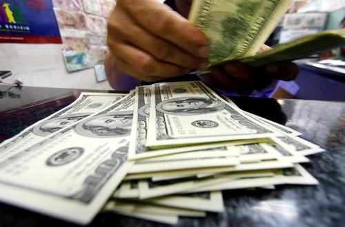 Dolar AS Menguat ke Rp 13.610