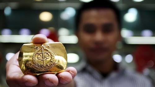 Sudah Naik Tinggi, Harga Emas Antam Anjlok Rp 8.000/Gram
