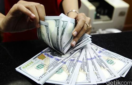 Dolar AS Turun ke Rp 13.452