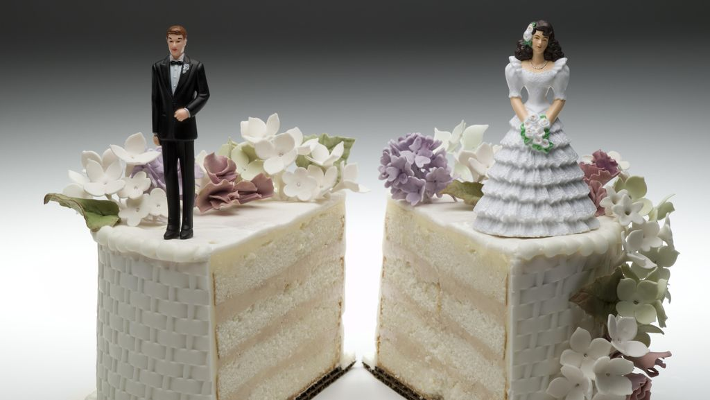 Keperawanan Hilang, Istri di Surabaya Minta Rp 5 Miliar ke Suaminya