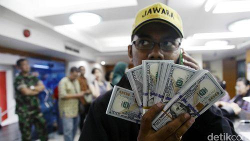 Dolar AS Pagi Ini Menguat ke Rp 13.500