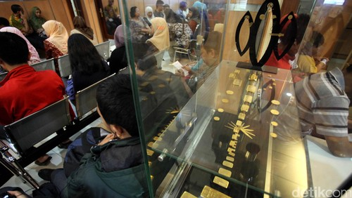 Harga Emas Antam Turun Rp 2.000/Gram
