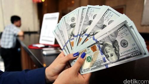Melemah Tipis, Dolar AS Pagi Ini Rp 13.400