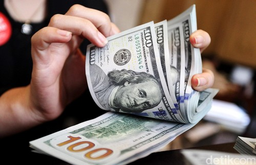 Dolar AS Tinggalkan Level Rp 13.200
