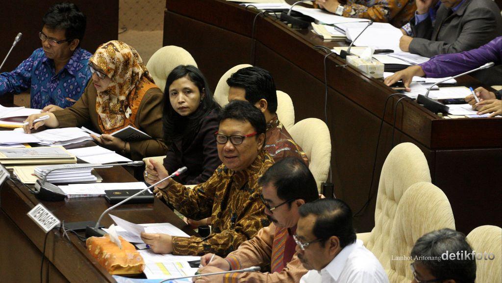 Ditanya Kabar Menteri yang Mengatai Jokowi, Tjahjo: Rahasia Dong!