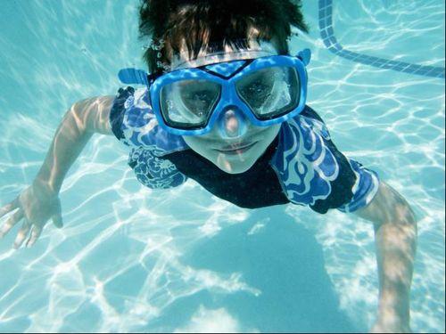 Ini Pentingnya Memerhatikan Kebersihan Kolam Renang Sebelum Berenang