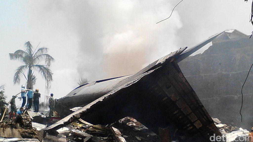 Kapuspen TNI: Ada 50-an Penumpang dan 12 Awak di Hercules Jadi Korban