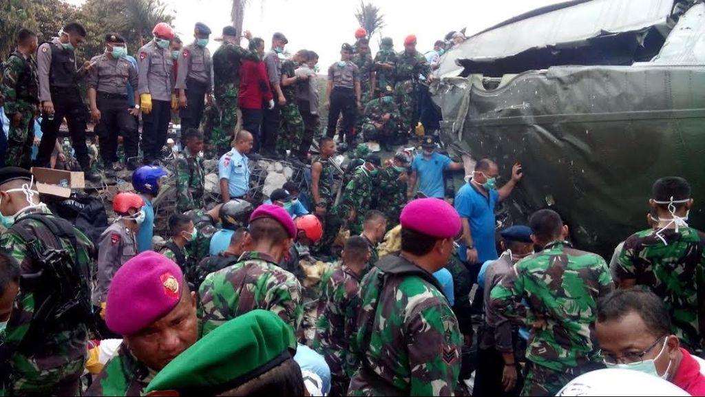 Hercules Bawa 20 Paskhas dari Pekanbaru, 10 Selamat karena Turun di Dumai