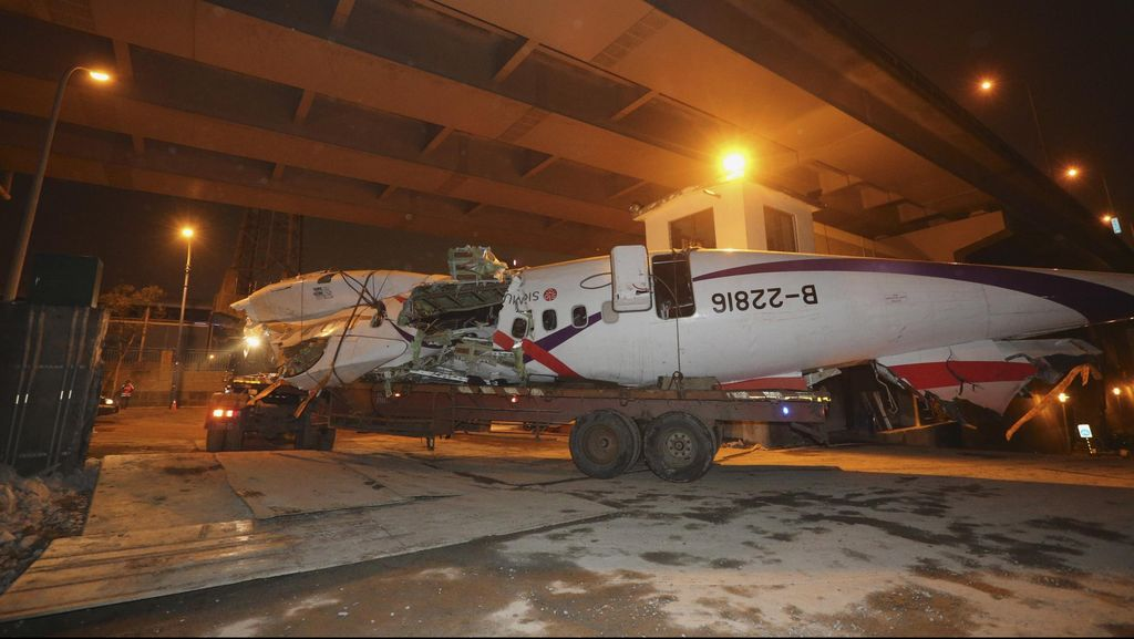 Ternyata! TransAsia Jatuh Usai Pilot Matikan Mesin yang Berfungsi