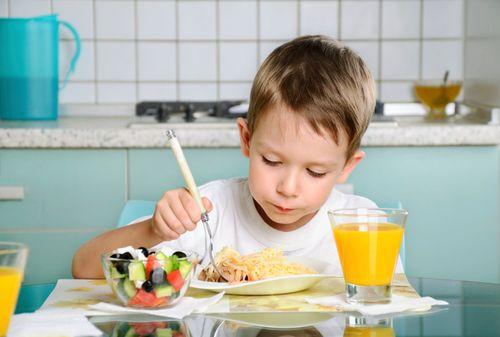 Hai Ibu, Cegah Stunting Pada Anak dengan Penuhi Asupan Proteinnya