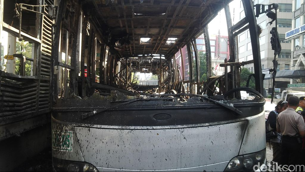 Daftar Panjang Bus TransJ yang Terbakar, Kapan Berakhir?