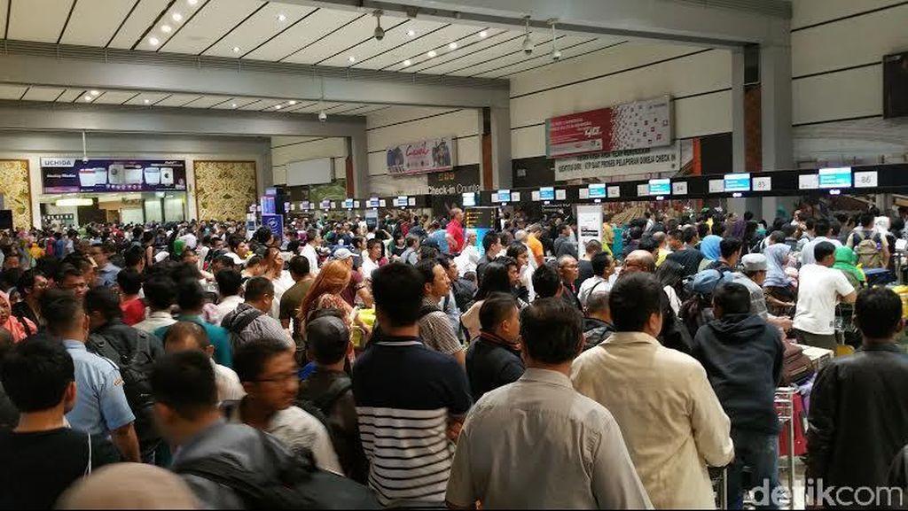 Kondisi Terminal 2E Bandara Cengkareng Berangsur Pulih, Jadwal Mulai Normal