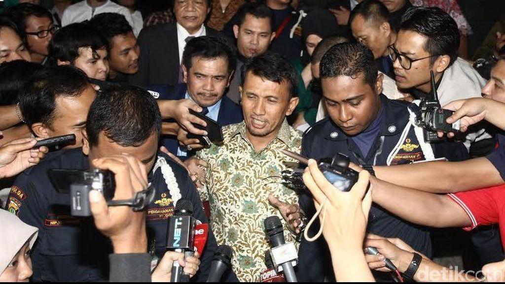 14 Jam Diperiksa, Gubernur Gatot Dicecar 27 Pertanyaan Soal Suap Hakim PTUN