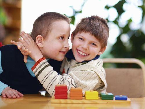 Kepekaan Ortu pada Anak Bikin si Kecil Lebih Berempati pada Orang Lain