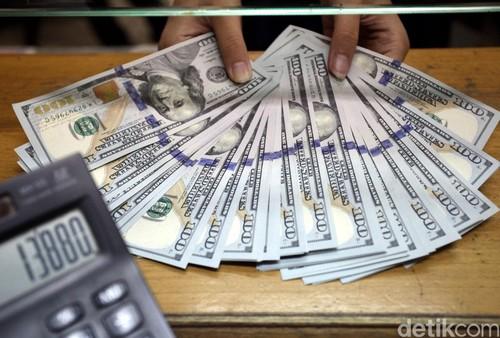 Dolar AS Turun ke Rp 13.270