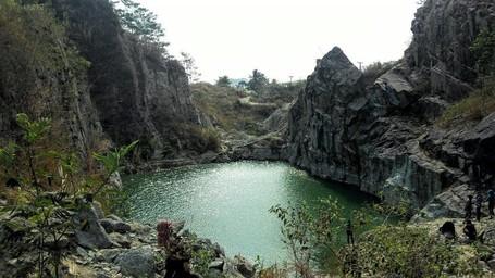 Danau Batu Bacan Dan 8 Destinasi Seru Untuk Libur Lebaran Di Sukabumi