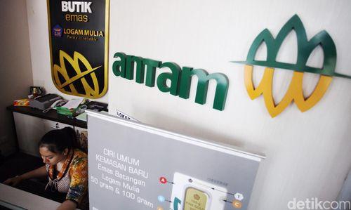 Harga Emas Antam Dibuka Turun Rp 5.000/Gram