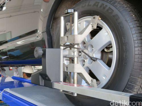 Setir Mobil Anda Berat? Ini 3 Penyebabnya