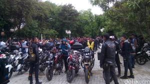 Yamaha Kumpulkan Rider V-Ixion